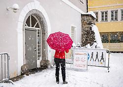 THEMENBILD - Situation in der Teststation Liebburg in Lienz am Samstag, 5. Dezember 2020. In Tirol und Tirol startetenn am Freitag, 4. Dezember 2020, die flächendeckenden, österreichweiten Corona-Massentestungen // Situation at the test station in Lienz Liebburg on Saturday, December 5, 2020. In Tyrol and Tyrol, the nationwide, Austria-wide corona mass tests started on Friday, December 4, 2020, Austria. EXPA Pictures © 2020, PhotoCredit: EXPA/ Johann Groder