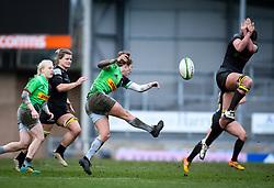 Emily Scott of Harlequins kicks - Mandatory by-line: Andy Watts/JMP - 06/02/2021 - Sandy Park - Exeter, England - Exeter Chiefs Women v Harlequins Women - Allianz Premier 15s
