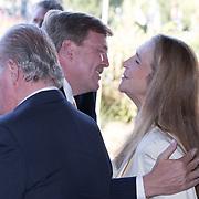 NLD/Scheveningen/20180630 - Koning bij Award Diner Volvo Ocean Race, Koning Willem Alexander begroet prinses Elena