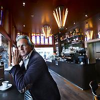 """Nederland, Amsterdam , 12 april 2011..Diederik Habbema (56). is al zijn hele leven horecaondernemer in zijn koffiesalon """"de koffiesalon""""..hij start een nieuwe horecaetablissement in de Pijp.Foto:Jean-Pierre Jans"""