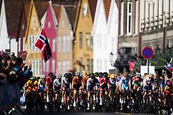 September 23, 2017 - Bergen, NORWAY - 170923 The peloton competes during the Women Elite Road Race on September 23, 2017 in Bergen..Photo: Jon Olav Nesvold / BILDBYRN / kod JE / 160028 (Credit Image: © Jon Olav Nesvold/Bildbyran via ZUMA Wire)