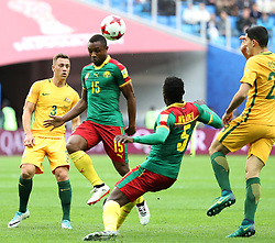 2017?6?23?.   ????????——?????????????????.    6?22??????????????????????.    ??????????????2017????????B???????????1?1?????????.    ?????????..(SP)RUSSIA-ST. PETERSBURG-2017 FIFA CONFEDERATIONS CUP-CMR VS AUS..(170623) -- ST. PETERSBURG, June 23, 2017  Sebastien Siani (C) of Cameroon competes for a header during the group B match between Cameroon and Australia of the 2017 FIFA Confederations Cup in St. Petersburg, Russia, on June 22, 2017. The match ended with a 1-1 tie.  7 9854294892 (Credit Image: © Xu Zijian/Xinhua via ZUMA Wire)