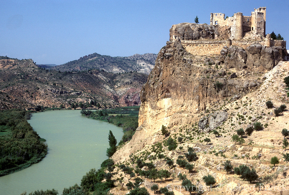 SPAIN, EASTERN COAST Cofrents Castle and Rio Jucar