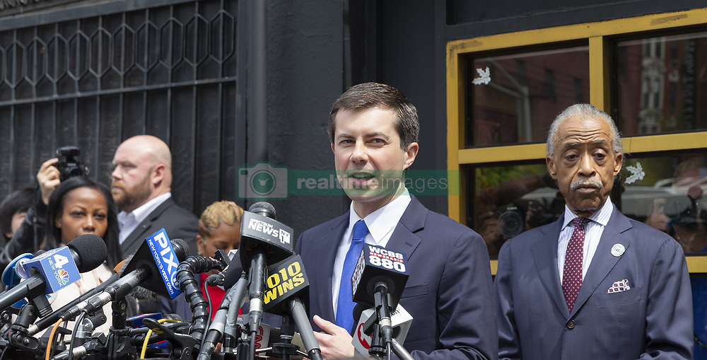 April 29, 2019 - New York, New York, United States - South Bend, IN Mayor Pete Buttigieg hopeful for Democratic Party Presidential nomination speaks to press after attend lunch with Reverend Al Sharpton at Sylvia's Restaurant in Harlem  (Credit Image: © Lev Radin/Pacific Press via ZUMA Wire)