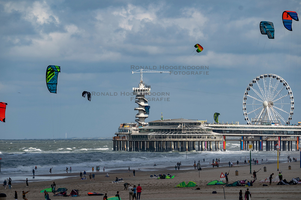 De Pier with kites during the final. The Final Day of the DELA NK Beach volleyball for men and women will be played in The Hague Beach Stadium on the beach of Scheveningen on 23 July 2020 in Zaandam.
