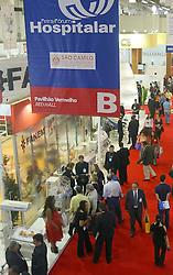 Movimento de público no segundo dia da HOSPITALAR 2007-14ª Feira Internacional de Produtos, Equipamentos, Serviços e Tecnologia para Hospitais, Laboratórios, Clínicas e Consultórios, que acontece de 12 a 15 de junho de 2007, no Expo Center Norte, em São Paulo. FOTO: Jefferson Bernardes/Preview.com