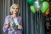 Presentatie van het nieuwe kookboek Appeltje, eitje!van Tooske Ragas in Huize Frankendael in Amsterdam.<br /> <br /> Op de foto:  Tooske Ragas