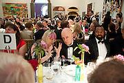 SUSIE ALLEN-HUXLEY; JAMES FENTON; BEN OKRI, Annual Dinner. Royal Academy of Arts. Piccadilly. London. 8 June 2010. -DO NOT ARCHIVE-© Copyright Photograph by Dafydd Jones. 248 Clapham Rd. London SW9 0PZ. Tel 0207 820 0771. www.dafjones.com.