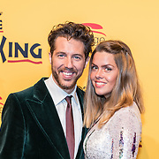 NLD/Scheveningen/20161030 - Premiere musical The Lion King, William Spaaij en partner Daisy Duin