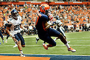 Syracuse's Kendall Moore catches the pass to make the winning touchdown to defeat Villanova, 27-26, in overtime at the Carrier Dome in Syracuse, N.Y., Friday, August 29, 2014. <br /> (AP/Heather Ainsworth)