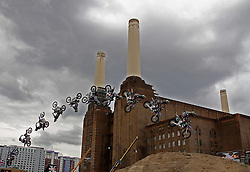 13.08.2010, Battersea Power Station, London, ENG, Red Bull X Fighters, im Bild in action during a training session for the London stage of The Red Bull X-Fighters freestlye Motorcycle Cross Tournament. EXPA Pictures © 2010, PhotoCredit: EXPA/ M. Gunn
