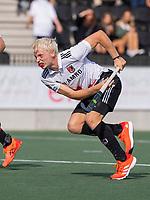 AMSTELVEEN - Luke  Dommershuijzen (Amsterdam) brengt uit een strafcorner de stand op 3-0,   tijdens de hockey hoofdklasse competitiewedstrijd  heren, Amsterdam-HC Tilburg (3-0).  COPYRIGHT KOEN SUYK