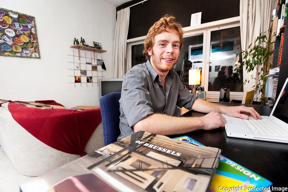 367087-Reportage over mechelse studenten die op kot zitten in Mechelen-Nederlander Tijn Oosterbaan - Lange Ridderstraat 35 Mechelen