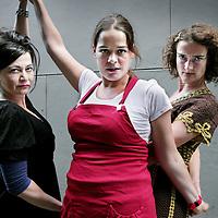 Nederland, Amsterdam , 30 augustus 2009.. Cabaretiere Ellen Dikker, Katinka Polderman Nathalie Baartman .Foto:Jean-Pierre Jans