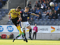 Fotball , 17. mai 2017 , Eliteserien, Viking Stavanger - Sandefjord<br />Michael Ledger fra Viking i aksjon mot Flamur Kastri fra Sandefjord.<br />Foto: Andrew Halseid Budd , Digitalsport