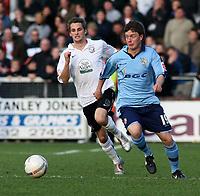 Photo:Mark Stephenson,Herford united v Port vale.<br />fa cup 2-11-2006.Vales  Joe Carole(R) Wth Herefords Robert Purdie.