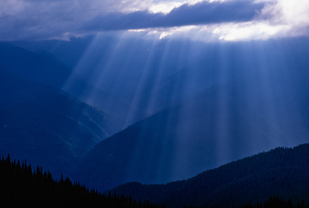 View from Hurricane Hii, sun rays, summer, Olympic National Park, Washington, USA