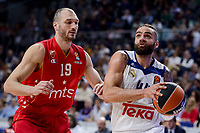 Real Madrid's Jeffery Taylor and Crvena Zvezda Mts Belgrade's Marko Simonovic during Turkish Airlines Euroleague match between Real Madrid and Crvena Zvezda Mts Belgrade at Wizink Center in Madrid, Spain. March 10, 2017. (ALTERPHOTOS/BorjaB.Hojas)