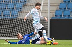 Ricki Olsen (FC Helsingør) tavkles af Thor Lange (Fremad Amager) under træningskampen mellem FC Helsingør og Fremad Amager den 18. januar 2020 på Helsingør Ny Stadion (Foto: Claus Birch)