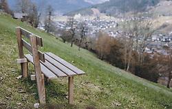 THEMENBILD - eine Bank auf einem Berghang, aufgenommen am 03. April 2020 in Kaprun, Oesterreich // a bank on a mountainside, in Kaprun, Austria on 2020/04/03. EXPA Pictures © 2020, PhotoCredit: EXPA/Stefanie Oberhauser