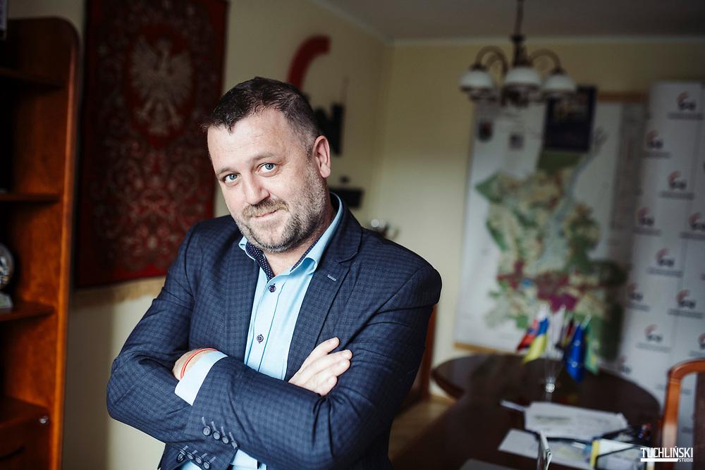 Wieruszów, Polska. 09.10.2019<br /> Rafał Przybył burmistrz Wieruszowa.<br /> Fot. Adam Tuchlinski dla Newsweek Polska