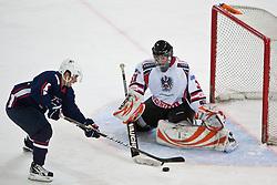 27.04.2011, TWK Arena, Innsbruck, AUT, IIHF WM 2011, Testspiel, Österreich vs USA, im Bild Andy Miele (USA, #21, Phoenix Coyotes, NHL) vs Fabian Weinhandl (AUT, #31, Moser Medical Graz 99ers) during friendly ice hockey match between Austria and USA, in preparation of IIHF world Championship 2011 at TWK Arena in Innsbruck Austria on 27/4/2011. EXPA Pictures © 2011, PhotoCredit: EXPA/ J. Groder