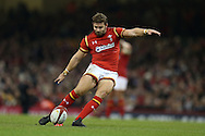Leigh Halfpenny of Wales secures 3 points as he kicks a penalty. Under Armour 2016 series international rugby, Wales v Argentina at the Principality Stadium in Cardiff , South Wales on Saturday 12th November 2016. pic by Andrew Orchard, Andrew Orchard sports photography