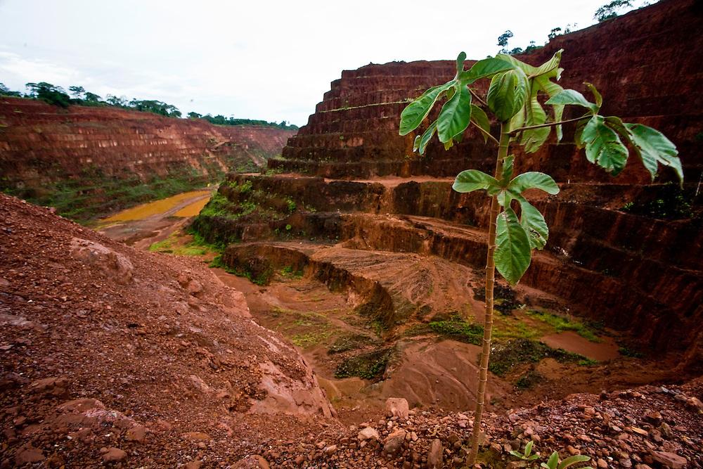 Parauapebas_PA, Brasil..Mina de ouro atualmente desativada em Paraupebas, Para...Gold mine currently disabled in Paraupebas, Para...Foto: JOAO MARCOS ROSA / NITRO