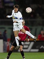 Fotball<br /> Italia<br /> Foto: Graffiti/Digitalsport<br /> NORWAY ONLY<br /> <br /> Livorno 18/2/2006 <br /> Livorno v Inter 0-0<br /> Inter Javier Zanetti and Livorno Cristiano Lucarelli