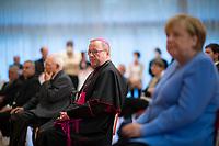 Berlin, 27.09.2021: Bischof Dr. Georg Bätzing, Vorsitzender der Deutschen Bischofskonferenz, neben Bundeskanzlerin Dr. Angela Merkel (CDU) beim St. Michael-Jahresempfang.