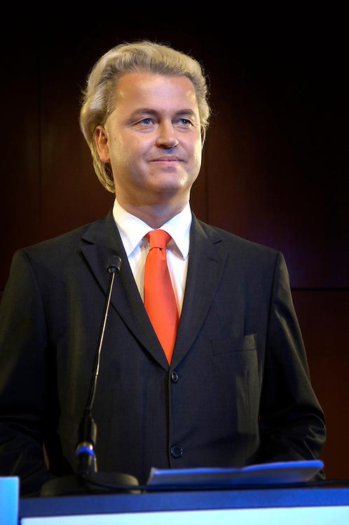 Nederland, Amsterdam, 25 aug 2006'.Groep Wilders presenteert zijn lijst, de kandidaten voor de tweede kamer. .Geert Wilders gaat de verkiezingen voor de tweede kamer in met zijn partij Partij voor de Vrijheid. Vandaag presenteerde hij de kandidaten voor de tweedekamerfraktie van zijn partij, die mikt op 10 zetels. De PVV is een van de nieuwe kleine rechtse partijen die het gedachtengoed van Pim Fortuyn gaat uitdragen..Foto: (c) Michiel Wijnbergh