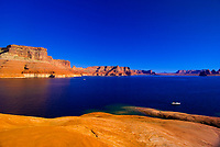Hiking on the edge of Lake Powell, Glen Canyon National Recreation Area, Arizona/Utah border USA