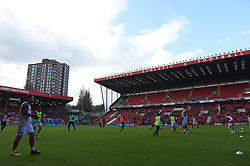 Charlton Athletic players warm up