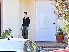 Media and the LA Coroner outside Mac Miller's house - 7 Sep 2018
