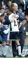 Photo: Ed Godden.<br />Tottenham Hotspur v Manchester City. The Barclays Premiership. 08/04/2006. Spurs' Manager Martin Jol with Aaron Lennon.