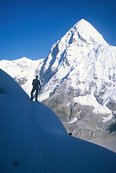 May 22, 2000 - Mount Everest, Nepal - View of Pumori from Everest. (Credit Image: © Michael Brown/Serac Adventure Films/ZUMA Press)
