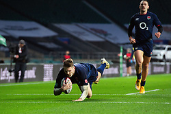 Elliot Daly of England scores a try in the first half - Mandatory byline: Patrick Khachfe/JMP - 07966 386802 - 14/11/2020 - RUGBY UNION - Twickenham Stadium - London, England - England v Georgia - Autumn Nations Cup