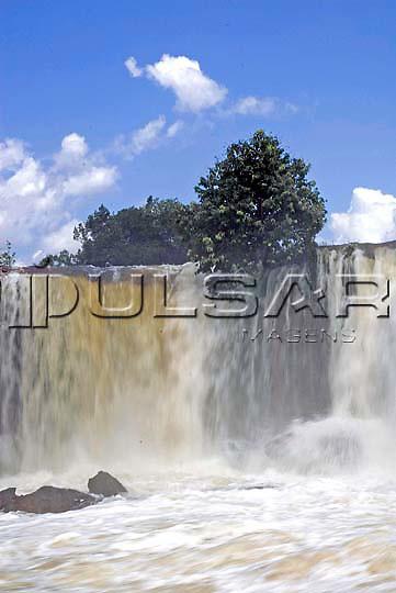 Cachoeira da Velha - Rio Novo, na cidade de Mateiros - Jalapão Local: Mateiros - TO Data: 02/2008 Tombo:  19DM031 Autor: Delfim Martins