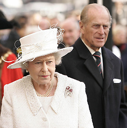 File photo dated 19/11/07 of Queen Elizabeth II and The Duke of Edinburgh unveiling a Jubilee Walkway panoramic panel on Parliament Square in London. The Duke of Edinburgh has died, Buckingham Palace has announced. Issue date: Friday April 9, 2020.. See PA story DEATH Philip. Photo credit should read: Shaun Curry/PA Wire