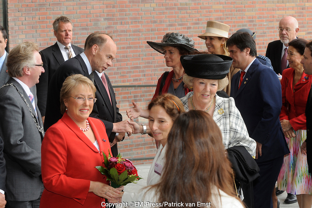 State Visit of the presidentof Chili , Michelle Bachelet to the Netherlands.<br /> <br /> On the photo Presedent of Chili, Michelle Bachelet, Queen Beatrix and Princes Maxima arrive at the Universaty in Wageningen.