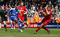 Photo: Steve Bond/Richard Lane Photography. <br />Leicester City v Colchester United. Coca Cola Championship. 12/04/2008. Barry Hayles (L) tries a long range effort