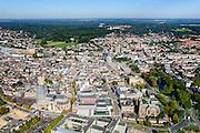 Nederland, Gelderland, Arnhem, 30-09-2015; binnenstad van Arnhem. Zicht op Airbornplein, Musispark (rechts).  <br /> View of the city of Arnhem. Binnenstad met Sint-Eusebiuskerk (Eusebius, Eusebiuskerk of Grote Kerk) en Neder-rijn.<br /> luchtfoto (toeslag op standard tarieven);<br /> aerial photo (additional fee required);<br /> copyright foto/photo Siebe Swart