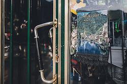 THEMENBILD - geschlossenes Geschäft während der Corona Pandemie, aufgenommen am 17. April 2019 in Hallstatt, Österreich // closed shop during the Corona Pandemic in Hallstatt, Austria on 2020/04/17. EXPA Pictures © 2020, PhotoCredit: EXPA/ JFK