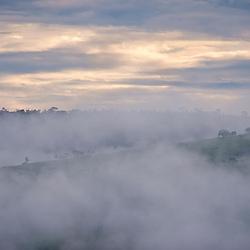 Neblina (registro) fotografado em Goiás - Centro-Oeste do Brasil. Bioma Cerrado. Registro feito em 2015.<br /> ⠀<br /> ⠀<br /> <br /> <br /> <br /> <br /> ENGLISH: Mist photographed in Goias - Midwest of Brazil. Cerrado Biome. Picture made in 2015.