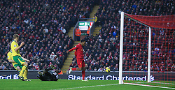 19.01.2013, Anfield, Liverpool, ENG, Premier League, FC Liverpool vs Norwich City, 23. Runde, im Bild Liverpool's new signing Daniel Sturridge scores the fourth goal against Norwich City during the English Premier League 23th round match between Liverpool FC and Norwich City FC at Anfield, Liverpool, Great Britain on 2013/01/19. EXPA Pictures © 2013, PhotoCredit: EXPA/ Propagandaphoto/ David Rawcliffe..***** ATTENTION - OUT OF ENG, GBR, UK *****