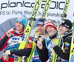 21.03.2010, Planica, Kranjska Gora, SLO, FIS SKI Flying World Championships 2010, Flying Hill Team, im Bild Goldmedailliengewinner 2010 im Teambewerb Österreich, v.l. SCHLIERENZAUER Gregor, ( AUT ), KOCH Martin, ( AUT ), MORGENSTERN Thomas, ( AUT ) und LOITZL Wolfgang, ( AUT ), EXPA Pictures © 2010, PhotoCredit: EXPA/ J. Groder / SPORTIDA PHOTO AGENCY