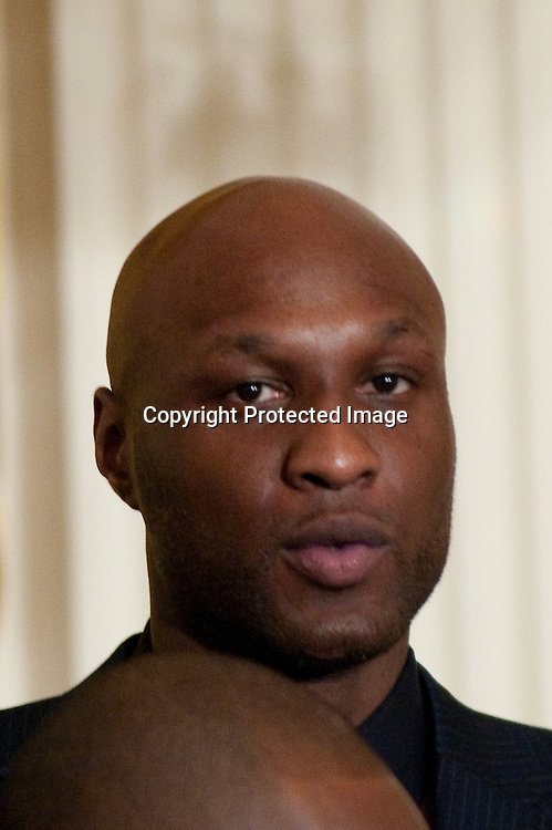 100125-Washington DC- L.A. Laker player Lamar Odom, attends a ceremony to celebrate the Lakers win of the NBA championship at the White House, which President Barack Obama spoke  at in Washington DC on January 25, 2010.