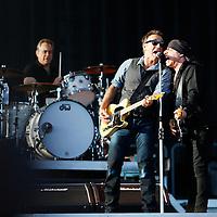 Oslo  20120721.<br /> Konsert med artisten Bruce Springsteen & The E Street Band på Valle Hovin lørdag. Her Bruce Springsteen (tv) og Steven Van Zandt<br /> Foto: Tor Erik Schrøder / NTB scanpix
