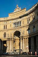 Italie, Campanie, Naples, centre historique classé Patrimoine Mondial de l'UNESCO, la coupole de la galerie Umberto I // Italy, Campania, Naples, Galleria Umberto I