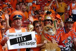 16-06-2006 VOETBAL: FIFA WORLD CUP: NEDERLAND - IVOORKUST: STUTTGART <br /> Oranje won in Stuttgart ook de tweede groepswedstrijd. Nederland versloeg Ivoorkust met 2-1 / Support - toeschouwers - Publiek<br /> ©2006-WWW.FOTOHOOGENDOORN.NL